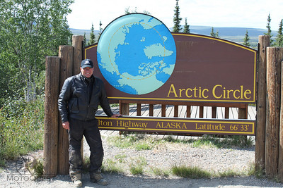 alaska-best-of-alaska-arctic-circle-sign-and-mark