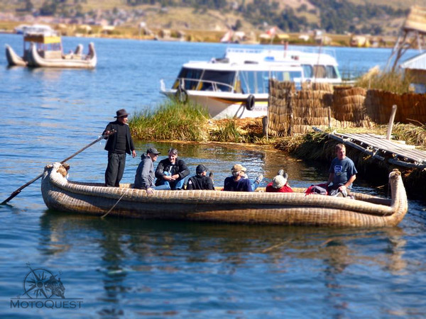 A boat ride on Lake Titicaca - Uros floating islands
